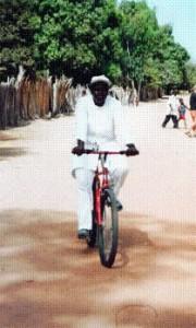 Gezondsheidswerker op de fiets