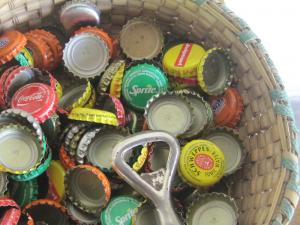 Iedere bezoeker van Timberland kent de 'doppenverzameling' van frisdrank en local beer.