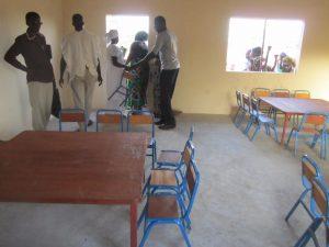 Nieuwe tafels en stoelen