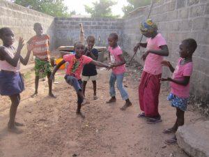 Dansen bij de pomp